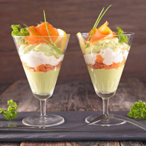 Mousse van avocado, zalm en zure room